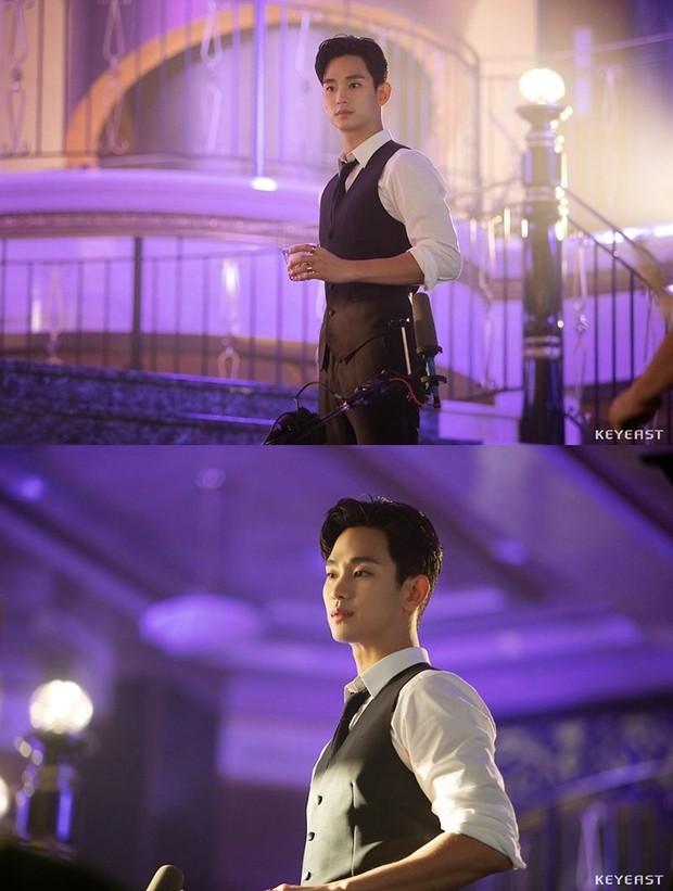 Kim Soo Hyun bùng nổ nhan sắc trong hậu trường Hotel Del Luna, cơn sốt hậu duệ của CEO IU đừng hòng có dịp nguội lạnh! - Ảnh 3.