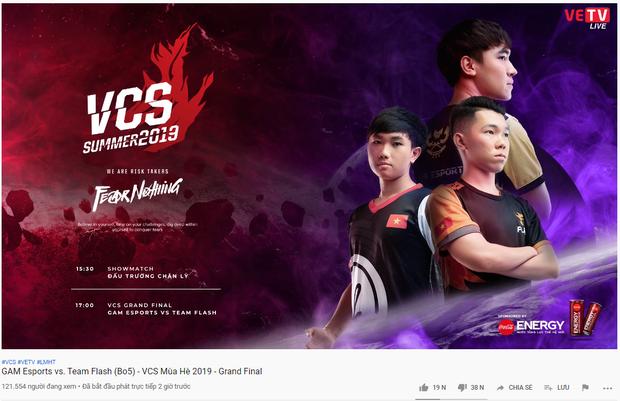 BTC chung kết VCS hè 2019 nhận hàng tá gạch từ CĐV khi kênh stream bất ngờ chết không rõ lý do - Ảnh 1.