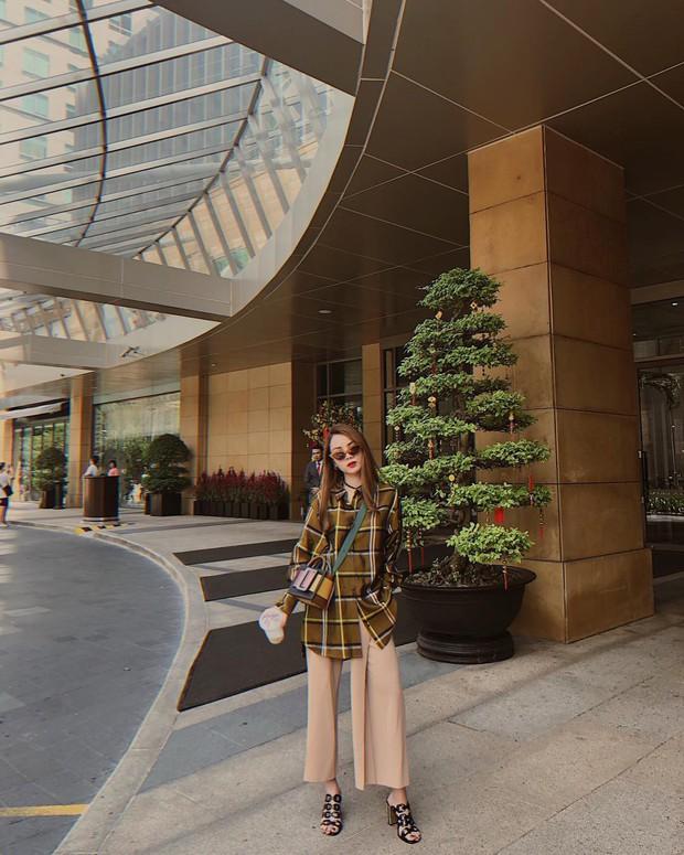 Với 12 ý tưởng lên đồ đẹp ngất của Yến Trang, mỗi lần bạn diện quần ống rộng sẽ là một lần khiến thiên hạ trầm trồ - Ảnh 2.