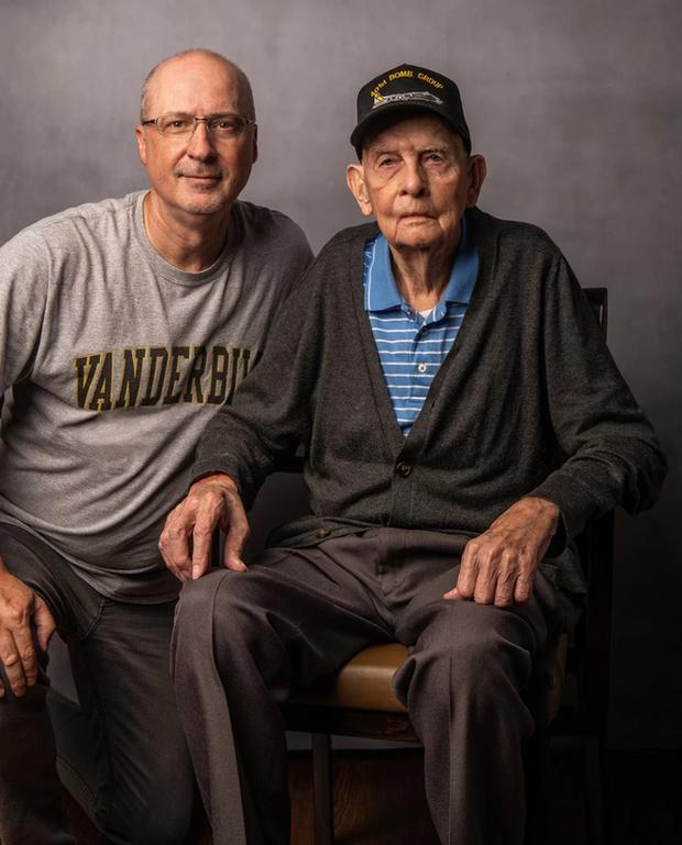 Nhiếp ảnh tôn vinh: Chụp chân dung những cựu chiến binh Thế chiến thứ 2 cuối cùng - Ảnh 12.