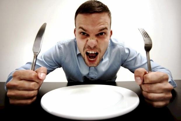 Ăn quá no, ăn no mà lại nhanh đói kéo theo rất nhiều tác hại cho sức khỏe - Ảnh 3.