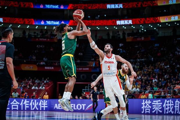 Bỏ lỡ cơ hội bằng vàng ở giây cuối cùng, Úc cay đắng nhìn Tây Ban Nha tiến vào chung kết FIBA World Cup 2019 - Ảnh 4.