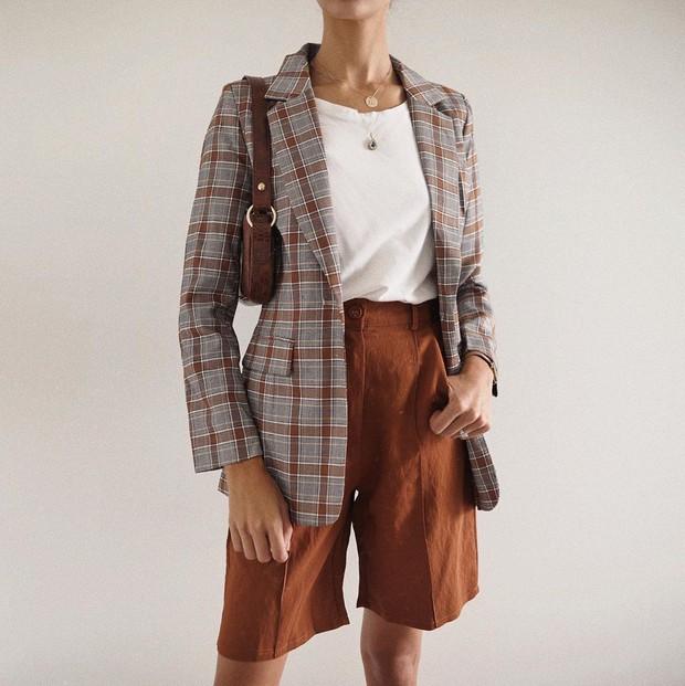 Trẻ hóa chiếc blazer quen thuộc bằng 5 cách mix đồ siêu dễ, nàng công sở học ngay để đầu tuần diện đi làm - Ảnh 4.
