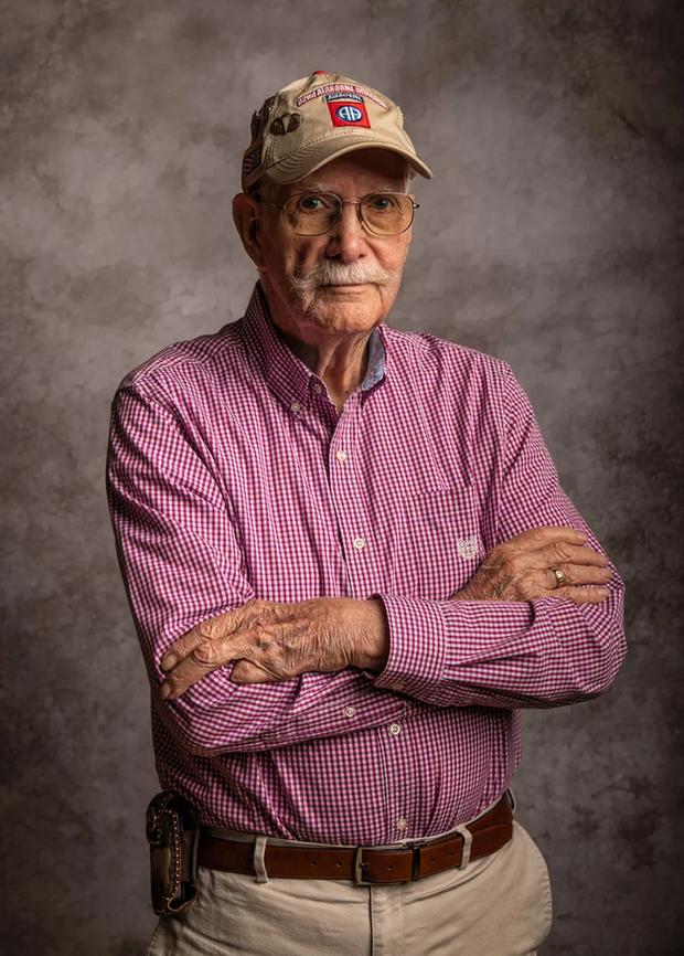 Nhiếp ảnh tôn vinh: Chụp chân dung những cựu chiến binh Thế chiến thứ 2 cuối cùng - Ảnh 4.
