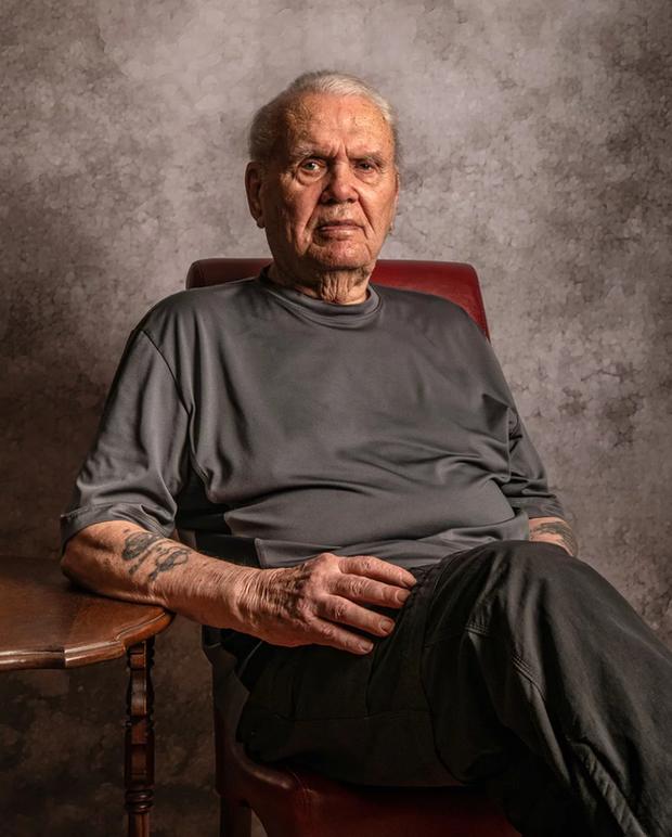 Nhiếp ảnh tôn vinh: Chụp chân dung những cựu chiến binh Thế chiến thứ 2 cuối cùng - Ảnh 5.
