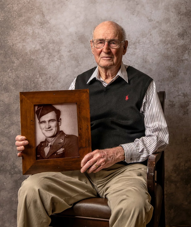 Nhiếp ảnh tôn vinh: Chụp chân dung những cựu chiến binh Thế chiến thứ 2 cuối cùng - Ảnh 6.