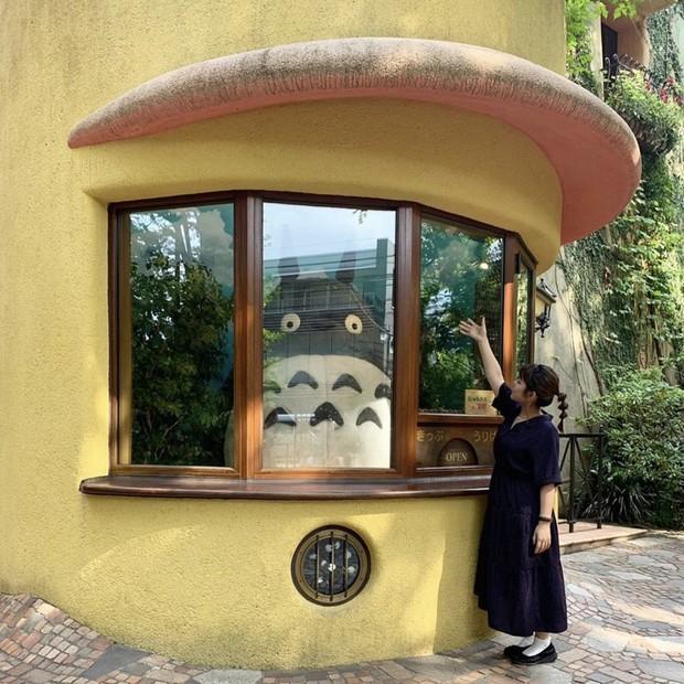 Ăn mặc cool ngầu như đi diễn nhưng hóa ra Sơn Tùng lại đang mua vé về tuổi thơ ở bảo tàng hoạt hình nổi tiếng số 1 Nhật Bản - Ảnh 10.