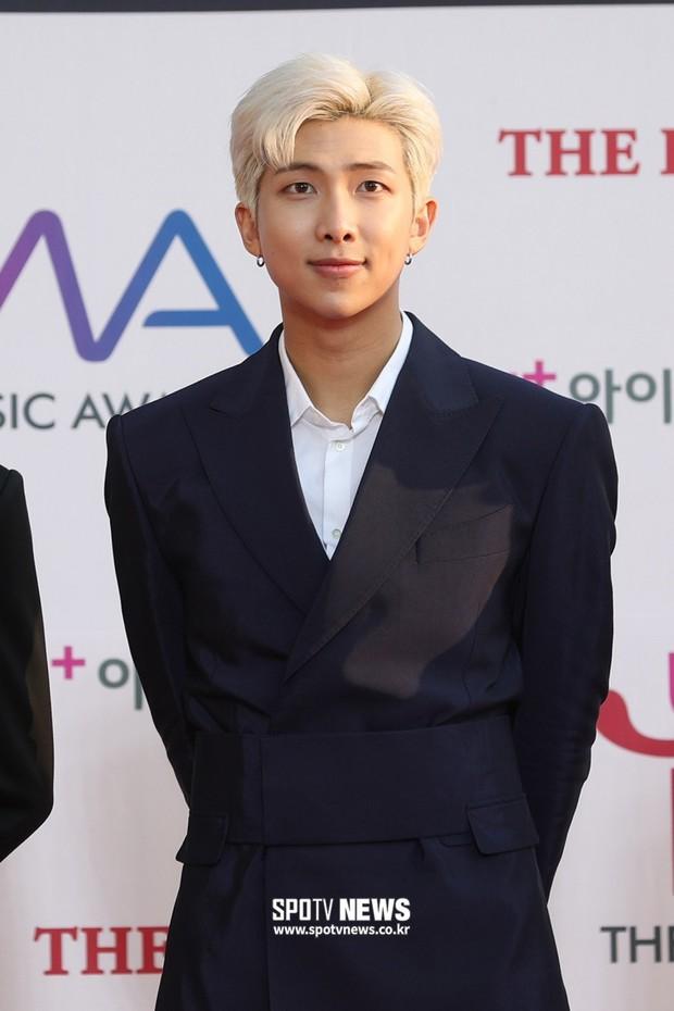 30 idol nam Kpop hot nhất hiện nay: Top 3 không lạ, ông bố trẻ nhất Kbiz gây tranh cãi vì bỗng lọt giữa dàn nam thần - Ảnh 9.