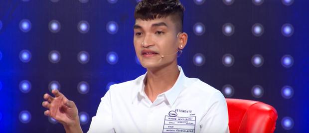 Bình thường đã có gương mặt hài hước mà Mạc Văn Khoa còn bị makeup hại tại Giọng ải giọng ai - Ảnh 5.