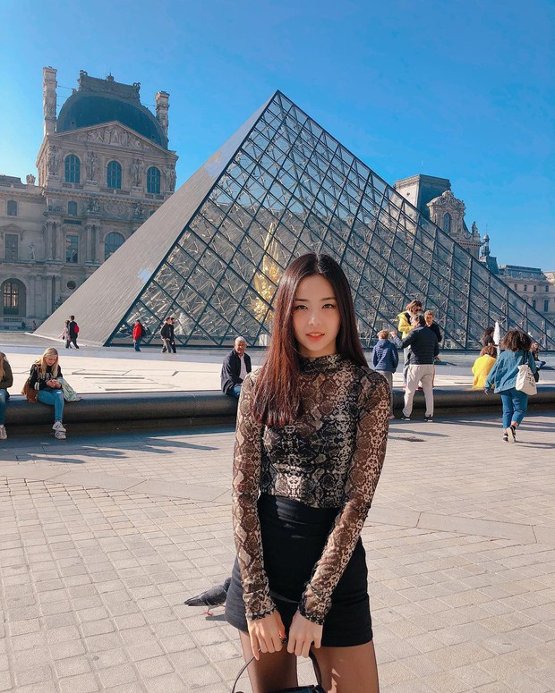 Lạ lùng nhan sắc thật của tân Hoa hậu Hàn Quốc: Selfie kém xinh, chụp lén xuất thần, nhìn thoáng na ná mỹ nhân BLACKPINK - Ảnh 6.