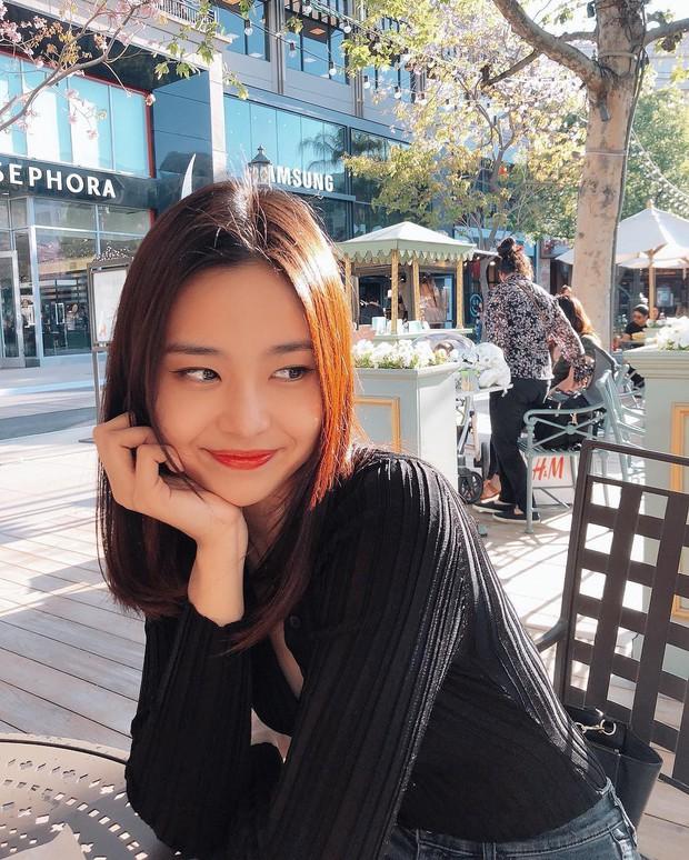Lạ lùng nhan sắc thật của tân Hoa hậu Hàn Quốc: Selfie kém xinh, chụp lén xuất thần, nhìn thoáng na ná mỹ nhân BLACKPINK - Ảnh 5.