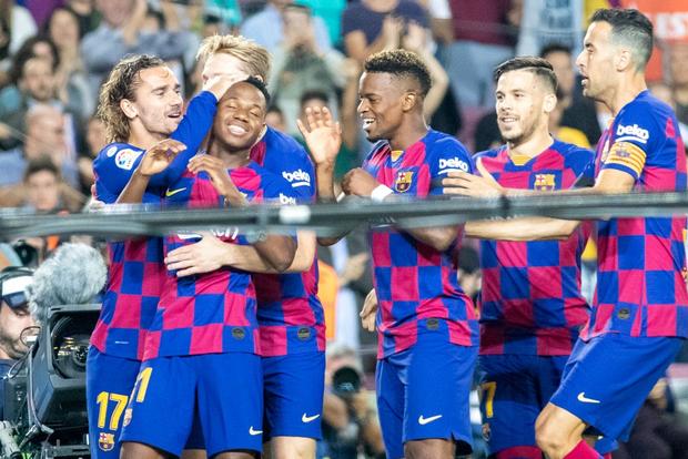 Thần đồng 16 tuổi của Barca tỏa sáng với cột mốc chưa từng xảy ra trong lịch sử La Liga, giúp đội nhà vùi dập Valencia - Ảnh 5.