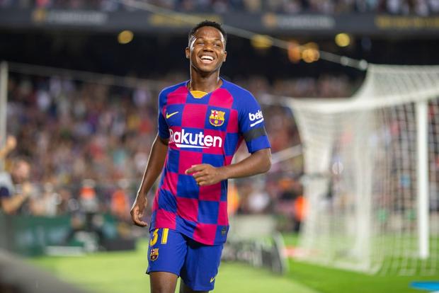 Thần đồng 16 tuổi của Barca tỏa sáng với cột mốc chưa từng xảy ra trong lịch sử La Liga, giúp đội nhà vùi dập Valencia - Ảnh 2.
