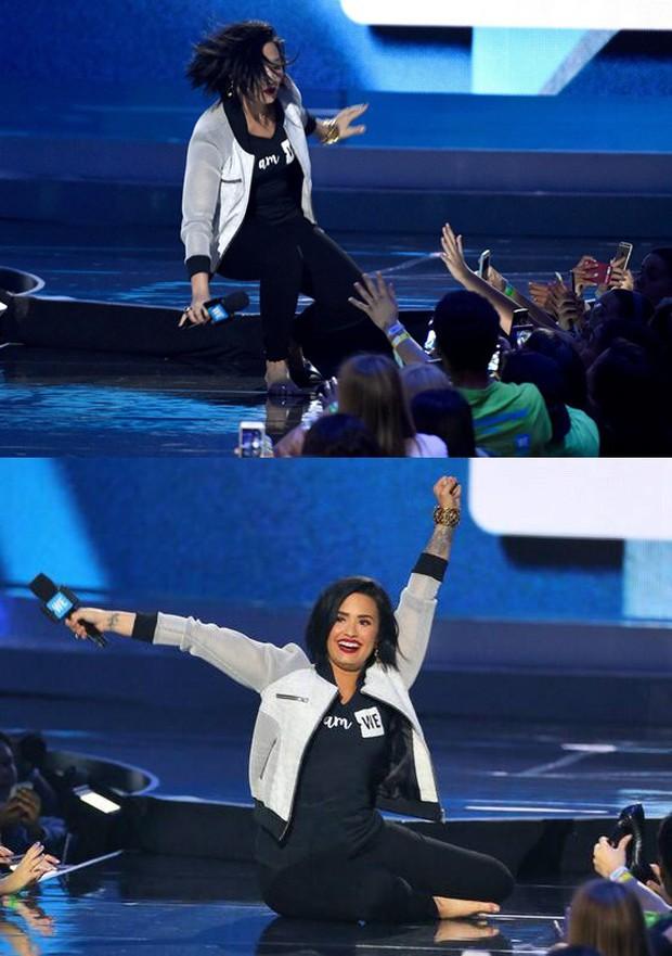 Những cú trượt ngã để đời của sao US-UK trên sân khấu: Taylor Swift, Ariana Grande, Lady Gaga,... đồng loạt có mặt! - Ảnh 19.