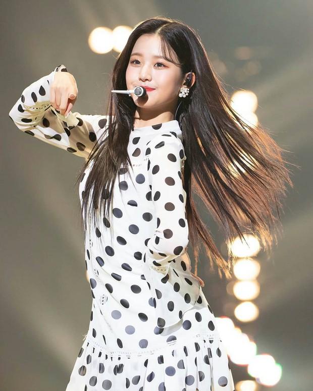 Đồ chấm bi nhìn là muốn chạy ngay đi vẫn được idol Hàn lăng xê nhiệt tình, hóa ra diện đẹp không hề khó - Ảnh 6.