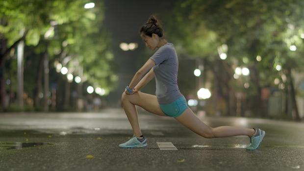 Hóa ra Hoa hậu Việt Nam Thu Thủy duy trì nhan sắc trẻ trung, vóc dáng khỏe mạnh là nhờ chạy bộ! - Ảnh 1.