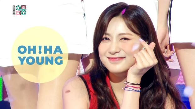 Seulgi (Red Velvet) làm động tác đặc biệt ở phần ending khiến fan chú ý, hoá ra thả thính Sunmi ngay trên sân khấu Music Core? - Ảnh 10.