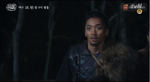 Arthdal Niên Sử Kí tập 15: Kinh hoàng với trận đại thảm sát, Kim Ji Won suýt chết thảm 3 lần nếu không có Song Joong Ki! - Ảnh 12.
