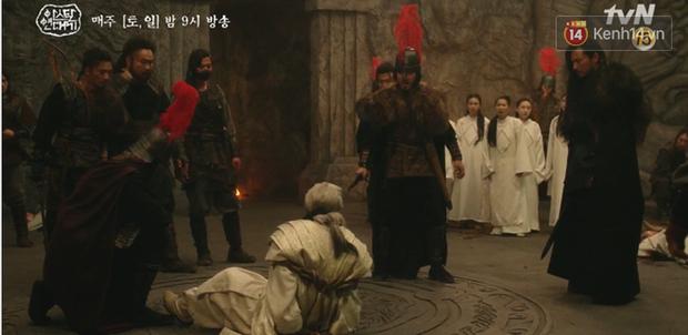 Arthdal Niên Sử Kí tập 15: Kinh hoàng với trận đại thảm sát, Kim Ji Won suýt chết thảm 3 lần nếu không có Song Joong Ki! - Ảnh 11.
