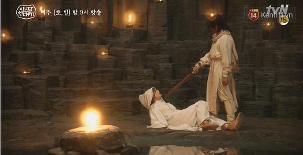 Arthdal Niên Sử Kí tập 15: Kinh hoàng với trận đại thảm sát, Kim Ji Won suýt chết thảm 3 lần nếu không có Song Joong Ki! - Ảnh 9.