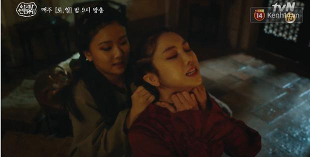 Arthdal Niên Sử Kí tập 15: Kinh hoàng với trận đại thảm sát, Kim Ji Won suýt chết thảm 3 lần nếu không có Song Joong Ki! - Ảnh 4.