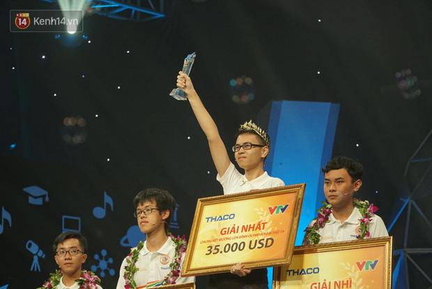Trọng Hoàng, Xuân Mạnh bày tỏ niềm tự hào khi chứng kiến thí sinh người Nghệ An đoạt ngôi quán quân Olympia 2019 - Ảnh 3.