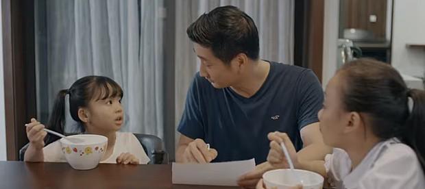 """""""Hoa Hồng Trên Ngực Trái"""": Cha mẹ cứ hạnh họe nhau đi, tổn thương con cái gánh chịu cả! - Ảnh 4."""