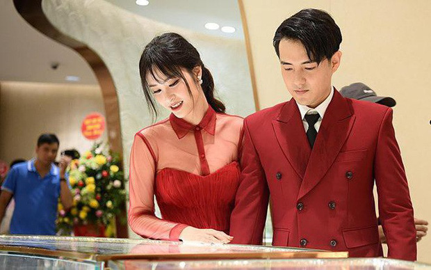 Sắp đám cưới, Đông Nhi rất chăm diện lại váy cũ, đến fan cũng phải chào thua trước tính tiết kiệm của cô nàng - Ảnh 4.