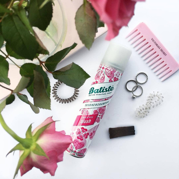 4 nguyên nhân khiến tóc bạn mới gội đã bết sền sệt, khuyến mại thêm vài tips chữa cháy tóc bết thành tơi bồng, thơm tho - Ảnh 6.