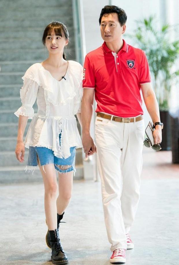 Nguồn tin thân cận tiết lộ thái độ thực sự của bố Trịnh Sảng dành cho con rể CEO rởm khiến netizen bất ngờ - Ảnh 6.