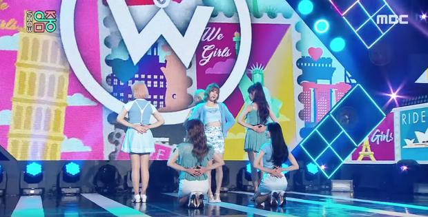 Seulgi (Red Velvet) làm động tác đặc biệt ở phần ending khiến fan chú ý, hoá ra thả thính Sunmi ngay trên sân khấu Music Core? - Ảnh 9.