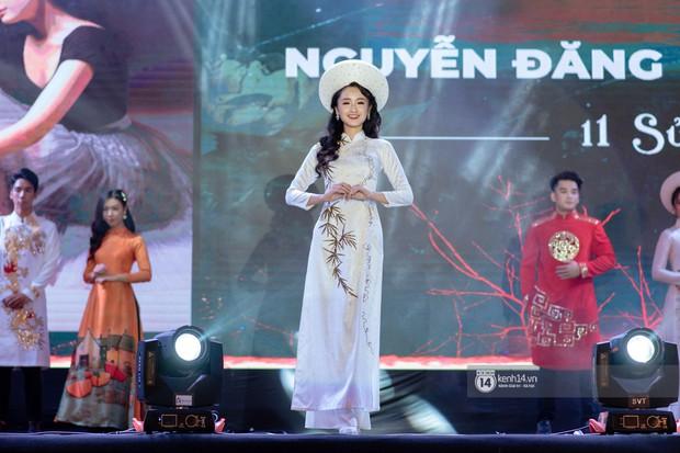 Nếu có một trường THPT nào ở Hà Nội vừa lắm trai xinh gái đẹp lại toàn con nhà sang chảnh, tổ chức event xịn xò thì đó là Amsterdam! - Ảnh 11.