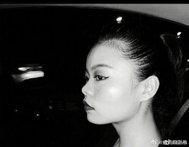 Idol xấu nhất lịch sử Trung Quốc bị chê là phiên bản lỗi của Jennie khi để tóc và makeup giống hệt - Ảnh 6.