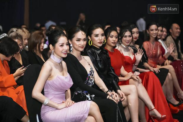Hiếm khi nhiều Hoa hậu, Á hậu đình đám lại hội tụ hết ở một sự kiện thảm đỏ và màn đọ sắc cùng khung hình còn đỉnh hơn - Ảnh 13.