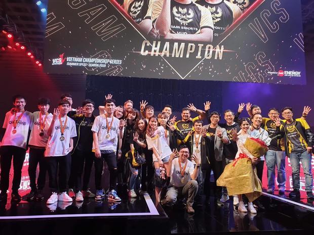 GAM Esports thiết lập vô số kỷ lục sau chức vô địch VCS mùa Hè - Xứng danh anh cả Liên Minh Việt! - Ảnh 3.