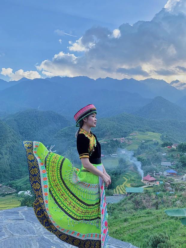 """Từ Việt sang Hàn, ai cũng mong đi du lịch có được người bạn chụp ảnh có tâm, sẵn sàng """"lăn xả"""" như Chi Pu - Diệu Nhi và Lisa - Rosé (BLACKPINK) - Ảnh 5."""