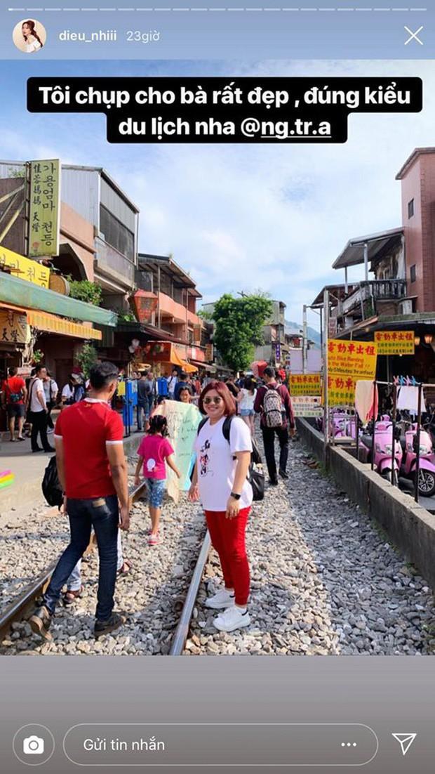 """Từ Việt sang Hàn, ai cũng mong đi du lịch có được người bạn chụp ảnh có tâm, sẵn sàng """"lăn xả"""" như Chi Pu - Diệu Nhi và Lisa - Rosé (BLACKPINK) - Ảnh 10."""