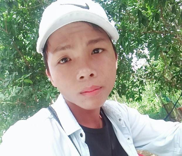 Khởi tố, bắt giam thanh niên 20 tuổi đâm chết bảo vệ vì can ngăn đánh vợ trong bệnh viện - Ảnh 1.