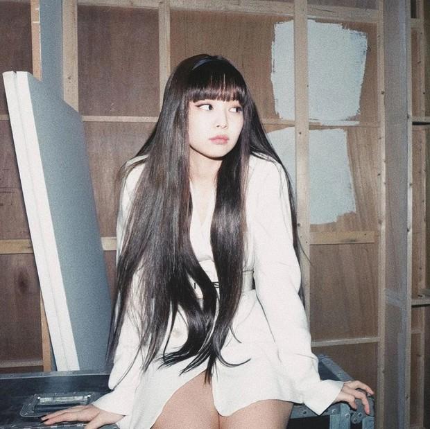 Idol xấu nhất lịch sử Trung Quốc bị chê là phiên bản lỗi của Jennie khi để tóc và makeup giống hệt - Ảnh 5.