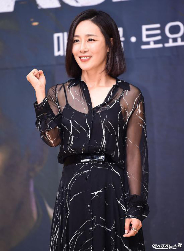 Lee Seung Gi trở lại bảnh bao xuất sắc tại sự kiện, Suzy gây choáng vì mặt phì nhiêu nhưng sao vẫn xinh thế này? - Ảnh 11.