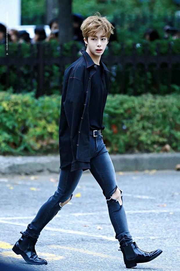 Top 7 idol Kpop nhan sắc thần thánh bất chấp cam thường: Idol đẹp trai nhất thế giới, Jennie hay nữ thần SM đỉnh hơn? - Ảnh 17.