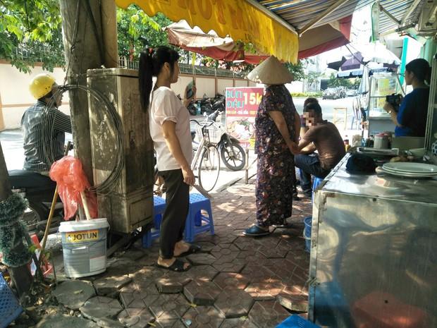 Vụ nam thanh niên đâm tử vong 2 cô gái: 2 nữ sinh ngoan ngoãn xinh xắn, thường đi rửa bát thuê để kiếm thêm tiền - Ảnh 3.