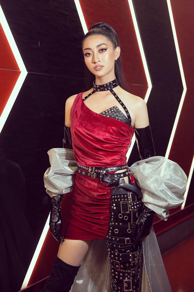 Tân Hoa hậu Lương Thùy Linh lột xác hầm hố, sải bước catwalk thần thái khó nhận ra sau 1 tháng đăng quang - Ảnh 6.