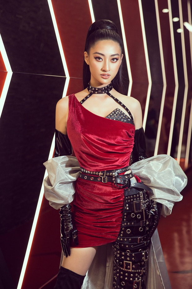 Tân Hoa hậu Lương Thùy Linh lột xác hầm hố, sải bước catwalk thần thái khó nhận ra sau 1 tháng đăng quang - Ảnh 7.