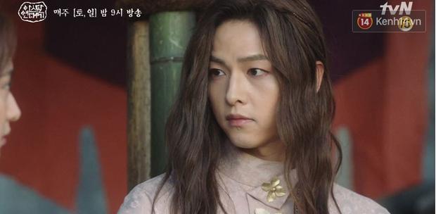 Song Joong Ki ôn nhu ôm ấp Kim Ji Won, chèo kéo crush về đội của mình để chống đối cha ngay tập 16 Arthdal Niên Sử Kí - Ảnh 6.