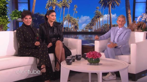 """""""Tỷ phú"""" Kylie Jenner khai pháo mùa 17 của """"The Ellen show"""" bằng phần quà 1 triệu đô la - Ảnh 1."""