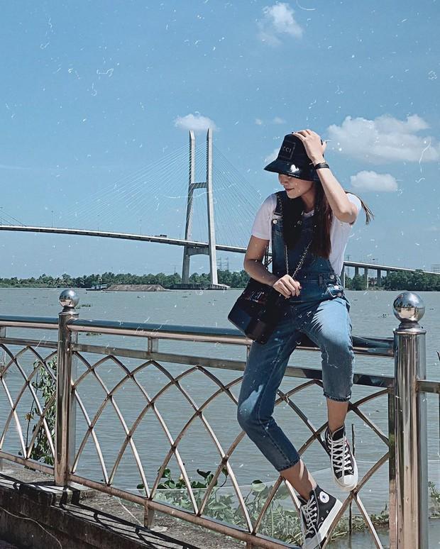 Phục lăn tài hack tuổi của Hà Tăng, Thanh Hằng, Mỹ Tâm: Đã ngoài 30 mà vẫn tự tin mặc quần yếm cute lạc lối - Ảnh 2.