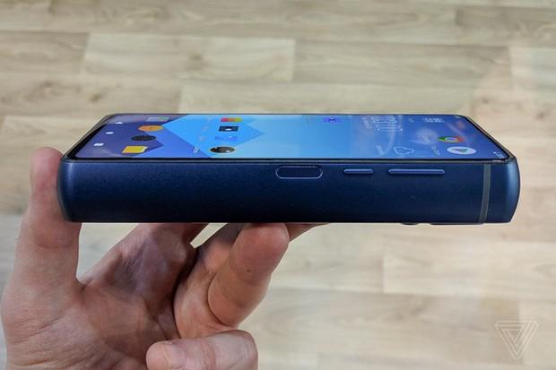 Nhiều người đang đo thời gian và không gian bằng... phần trăm pin trên smartphone - Ảnh 3.