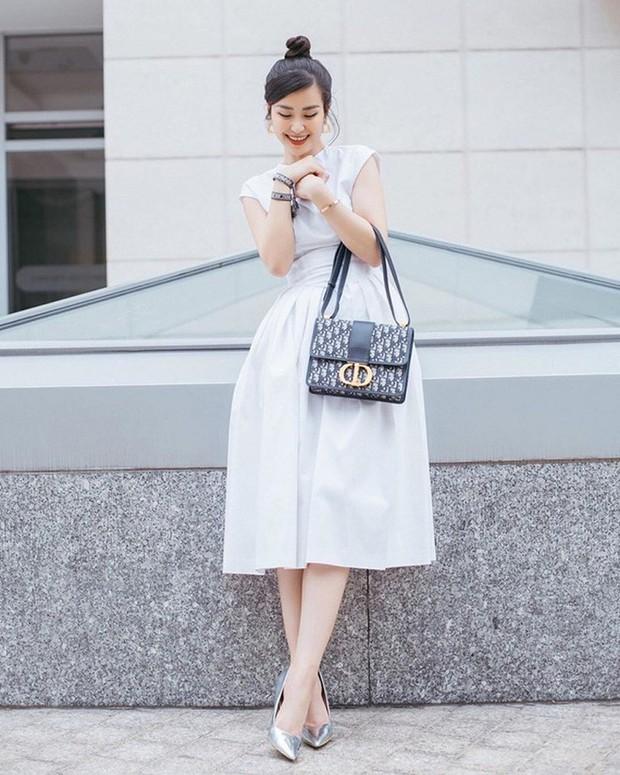 Chiếc túi Dior tai tiếng trong drama túi fake của Sĩ Thanh hoá ra cực được lòng hội sao Việt chuộng hàng hiệu - Ảnh 3.