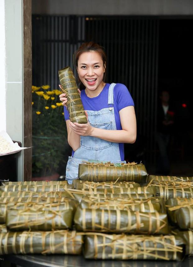 Phục lăn tài hack tuổi của Hà Tăng, Thanh Hằng, Mỹ Tâm: Đã ngoài 30 mà vẫn tự tin mặc quần yếm cute lạc lối - Ảnh 4.